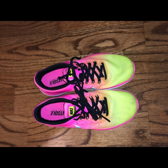 Shoes - nike shoes